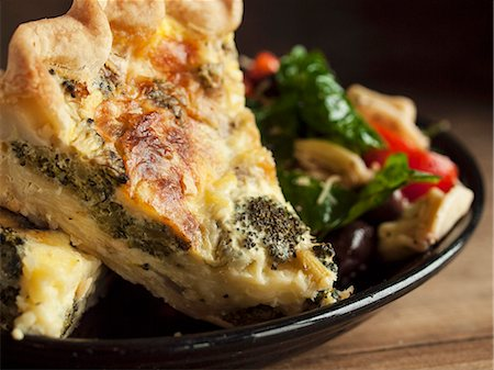 food - Piece of Broccoli Quiche with a Side Salad Stock Photo - Premium Royalty-Free, Code: 659-06494973