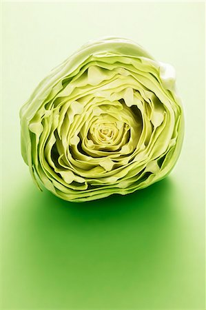 Half a white cabbage Stock Photo - Premium Royalty-Free, Code: 659-06495021