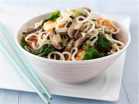 recipe - Pasta with mushrooms and king prawns (Asia) Stock Photo - Premium Royalty-Free, Code: 659-06495219