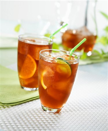 drink (non-alcohol) - Iced tea with lemons and limes Stock Photo - Premium Royalty-Free, Code: 659-06495304