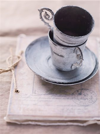Vintage-style cups Stock Photo - Premium Royalty-Free, Code: 659-06495415