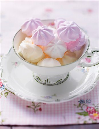 food - Various different coloured meringues in a cup Stock Photo - Premium Royalty-Free, Code: 659-06495411