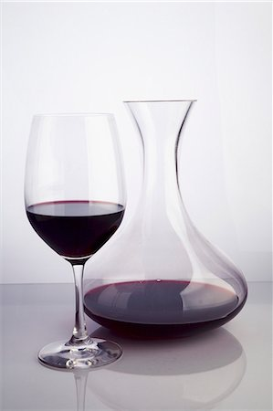 Red Wine in a Glass and Carafe Stock Photo - Premium Royalty-Free, Code: 659-06495698