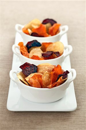 Colourful vegetable chips Stock Photo - Premium Royalty-Free, Code: 659-06493911