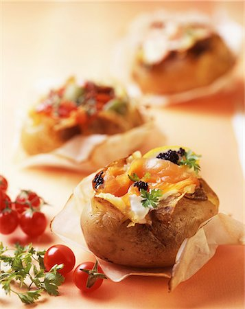 recipe - Patate ripiene al salmone (baked potatoes with salmon, Italy) Stock Photo - Premium Royalty-Free, Code: 659-06670943