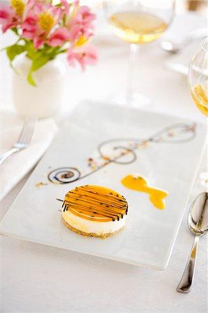 Passionfruit cheesecake Stock Photo - Premium Royalty-Free, Code: 659-06671158