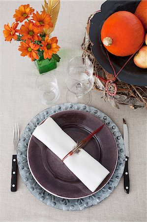 decoration - A place setting with autumnal decorations Stock Photo - Premium Royalty-Free, Code: 659-06671492