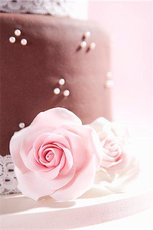 rose - Fondant cake Stock Photo - Premium Royalty-Free, Code: 659-06900928