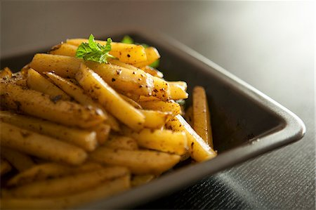 spicy - Homemade chips Stock Photo - Premium Royalty-Free, Code: 659-06900980