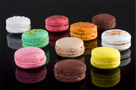 different - Ten colourful macaroons Stock Photo - Premium Royalty-Free, Code: 659-06901002