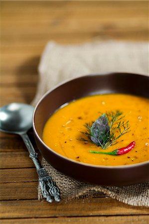 spicy - Thai carrot soup Stock Photo - Premium Royalty-Free, Code: 659-06901978