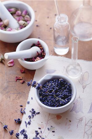 pharmaceutical plant - Rose and lavender flowers with mortar and apothecary bottles Stock Photo - Premium Royalty-Free, Code: 659-06902281