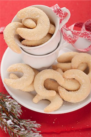 Vanilla crescents for Christmas Stock Photo - Premium Royalty-Free, Code: 659-06902300