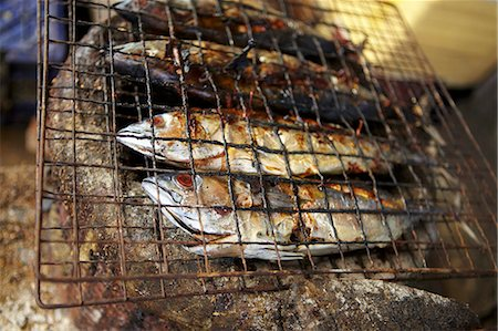 smoked - Fish, smoked and grilled Stock Photo - Premium Royalty-Free, Code: 659-06902476