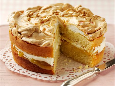 recipe - Lemon cake topped with meringue Stock Photo - Premium Royalty-Free, Code: 659-06902493
