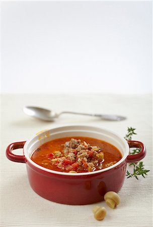 recipe - Ground beef soup with tomatoes and mushrooms Stock Photo - Premium Royalty-Free, Code: 659-06902627