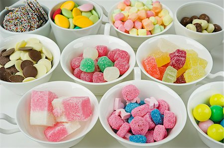 cups of mixed sweets, jellies; chocolates Stock Photo - Premium Royalty-Free, Code: 659-06903185