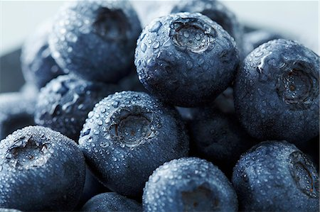 fresh - Blueberries with drops of water Stock Photo - Premium Royalty-Free, Code: 659-06903259