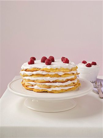 recipe - Waffle layer cake with raspberries Stock Photo - Premium Royalty-Free, Code: 659-06903621