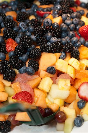 Fresh fruit salad Stock Photo - Premium Royalty-Free, Code: 659-06903734