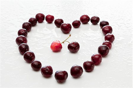 partnership - A heart made from cherries Stock Photo - Premium Royalty-Free, Code: 659-06903772