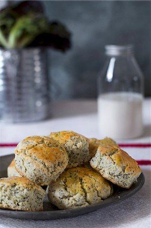 Poppy-seed scones Stock Photo - Premium Royalty-Free, Code: 659-06903811
