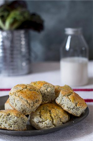 Poppy-seed scones Stock Photo - Premium Royalty-Free, Code: 659-06903811