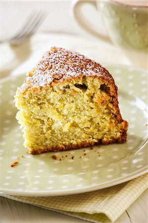 Pistachio Cream Cake, selective focus Stock Photo - Premium Royalty-Free, Code: 659-06903939