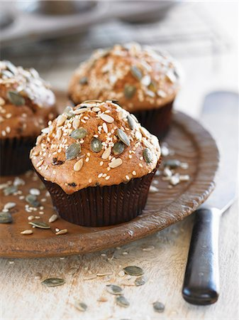 sweet - Wholegrain muffins with seeds Stock Photo - Premium Royalty-Free, Code: 659-07026915