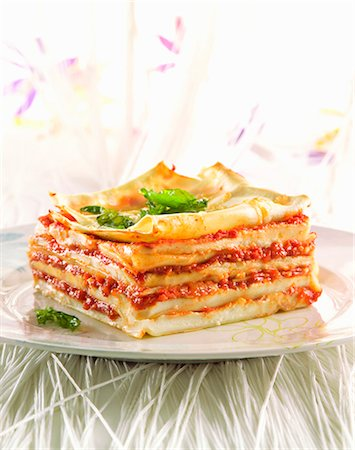 recipe - Lasagne with tomatoes and béchamel sauce Stock Photo - Premium Royalty-Free, Code: 659-07027435