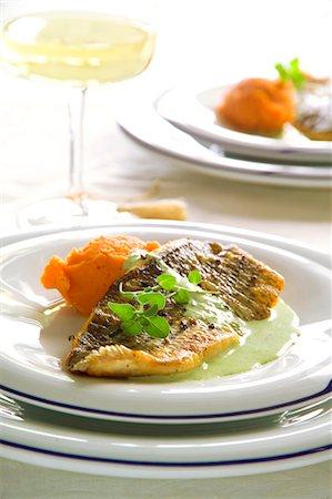 Sea bass with sweet potato purée Stock Photo - Premium Royalty-Free, Code: 659-07027433