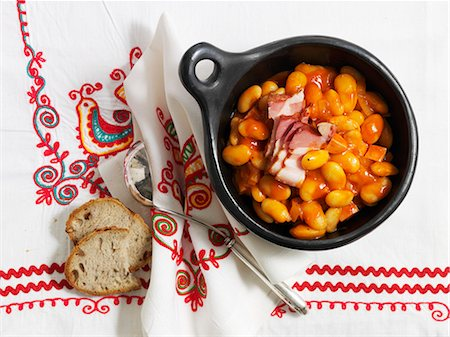 Fasolka po bretonsku (bean stew, Poland) Stock Photo - Premium Royalty-Free, Code: 659-07028312