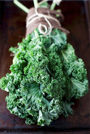 A Bunch of Fresh Kale Stock Photo - Premium Royalty-Free, Code: 659-07028538