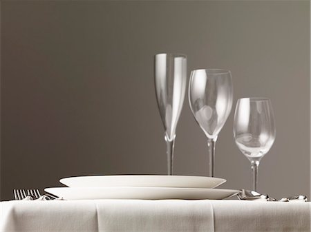 set - Elegant table setting Stock Photo - Premium Royalty-Free, Code: 659-07028747