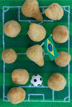 sports - Salgadinhos (filled pastries, Brazil) with football-themed decoration Stock Photo - Premium Royalty-Free, Code: 659-07028921