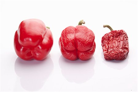Bell peppers, fresh to dried Stock Photo - Premium Royalty-Free, Code: 659-07029044