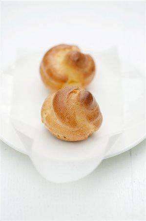 puff - Mini cream puffs Stock Photo - Premium Royalty-Free, Code: 659-07069230