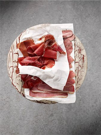 smoked - Smoked ham, sliced (view from above) Stock Photo - Premium Royalty-Free, Code: 659-07069452