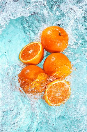 effect - Oranges in water Stock Photo - Premium Royalty-Free, Code: 659-07069653
