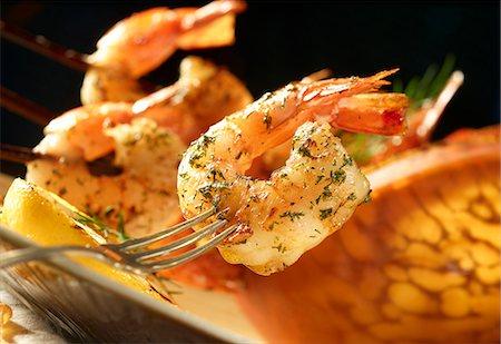 fork - Lemon prawns with dill Stock Photo - Premium Royalty-Free, Code: 659-07069673