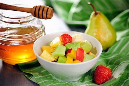 dessert - Fruit salad with honey Stock Photo - Premium Royalty-Free, Code: 659-07069713