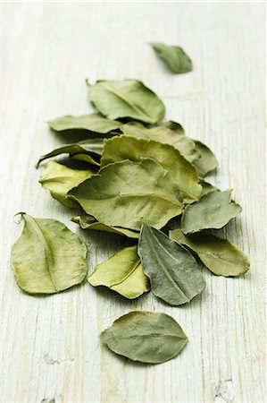 dry - Dried kaffir lime leaves Stock Photo - Premium Royalty-Free, Code: 659-07596998