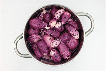 purple - Purple Vitelotte potatoes Stock Photo - Premium Royalty-Free, Code: 659-07598487