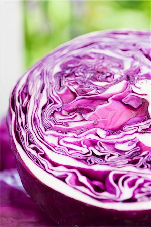 Half of a Head of Purple Cabbage Stock Photo - Premium Royalty-Free, Code: 659-07598762