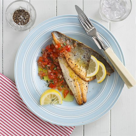 Fillets of sea bass with tomato salsa Stock Photo - Premium Royalty-Free, Code: 659-07599286