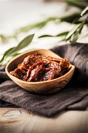 rustic - Dried tomatoes Stock Photo - Premium Royalty-Free, Code: 659-07609648
