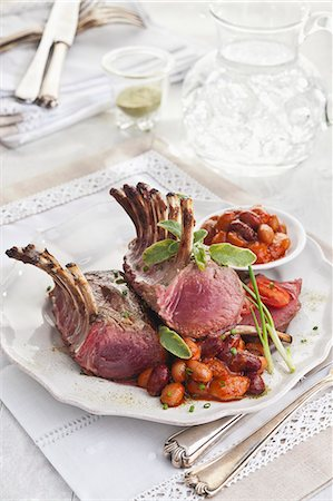 recipe - Lamb chops with assorted beans in tomato sauce Stock Photo - Premium Royalty-Free, Code: 659-07609910