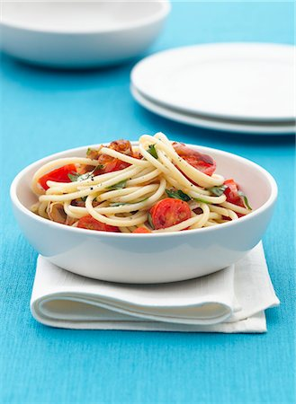 recipe - Pasta con la pancetta (pasta with bacon) Stock Photo - Premium Royalty-Free, Code: 659-07610307