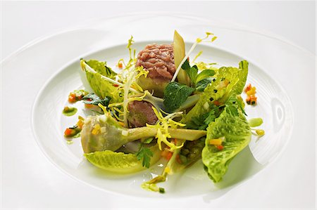 Stuffed artichokes with veal tartar and cos lettuce Stock Photo - Premium Royalty-Free, Code: 659-07610335