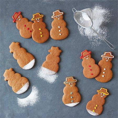 decoration - Gingerbread snowmen with icing sugar Stock Photo - Premium Royalty-Free, Code: 659-07739054